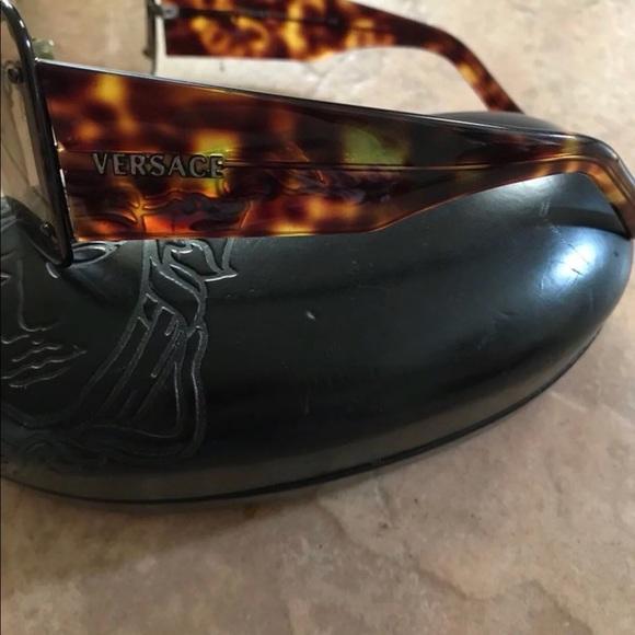 e3daa70c7d Authentic unisex Versace sunglasses. M 5b5322b342aa764c3d2816ba